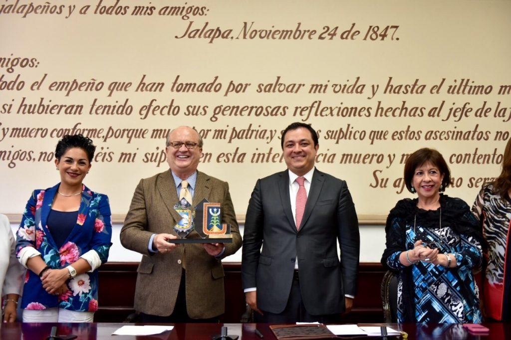 La transparencia es fundamental para el ejercicio público: Graco Ramírez