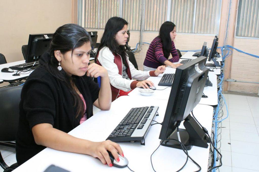 Acredita UAEM calidad académica de tres programas educativos