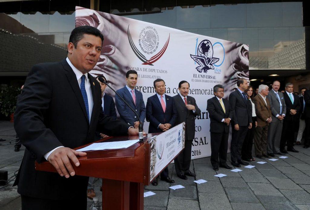 Preside Javier Bolaños ceremonia de reconocimiento al periódico El Universal por su 100 Aniversario