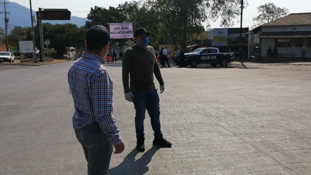 Impiden con retenes entrada de turistas a Tepoztlán por ...